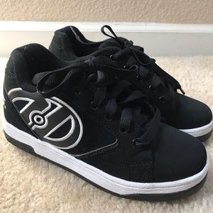 Heelys youth roller skate shoes